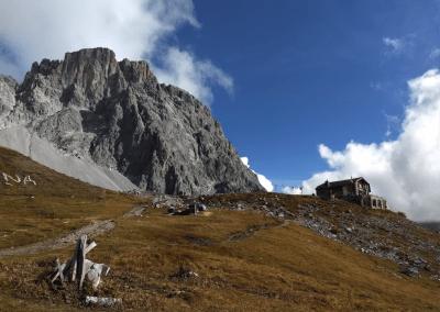 Carschina hutte met de Sulzfluh op de achtergrond